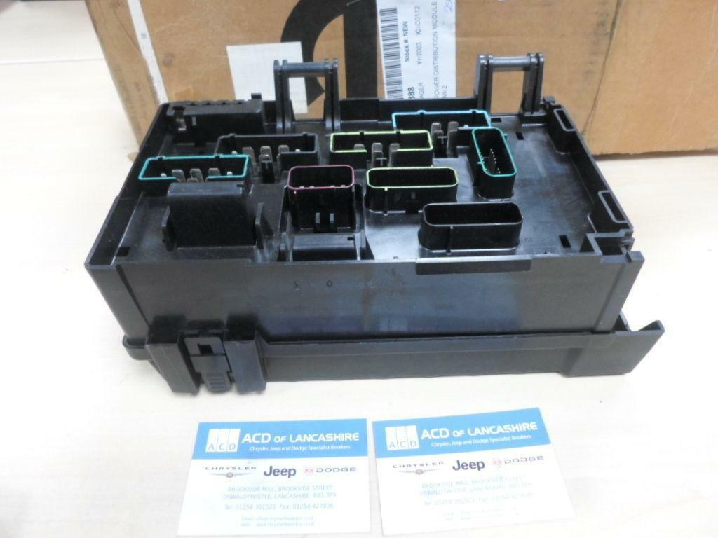 Chrysler Grand Voyager 2003 Fuse Box Power Distribution Module 05102969ab 1 Of 4only Available