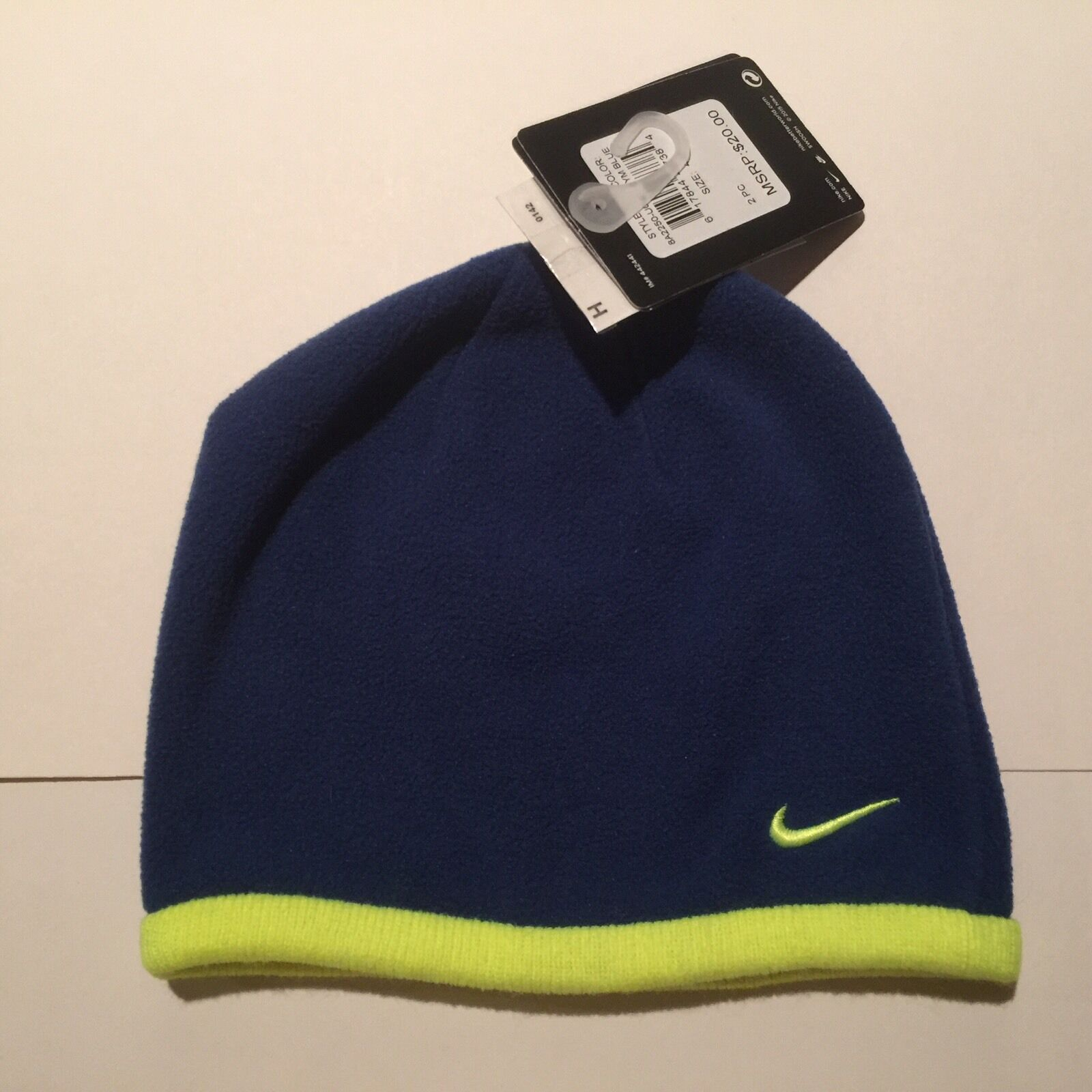 NWT Boys Nike Gyn Blue   Lime Fleece Beanie Hat Size 4-7 8A2250 1 of 2Only  1 available NWT Boys Nike Gyn Blue   Lime Fleece Beanie Hat ... 06b7c8f5679
