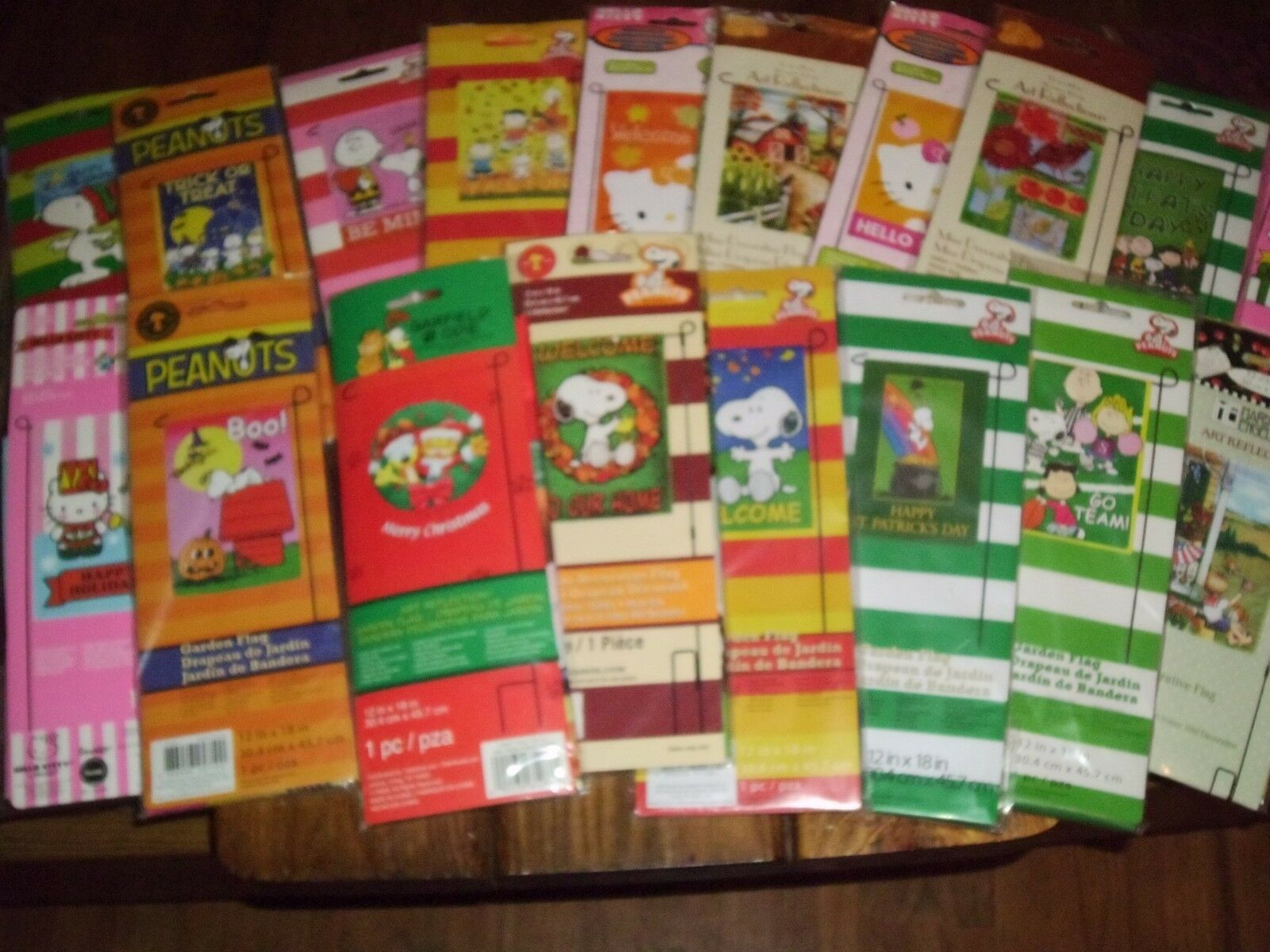 small garden flags peanuts christmas halloween st patricks valentines spring 1 of 1free shipping - Small Garden Flags
