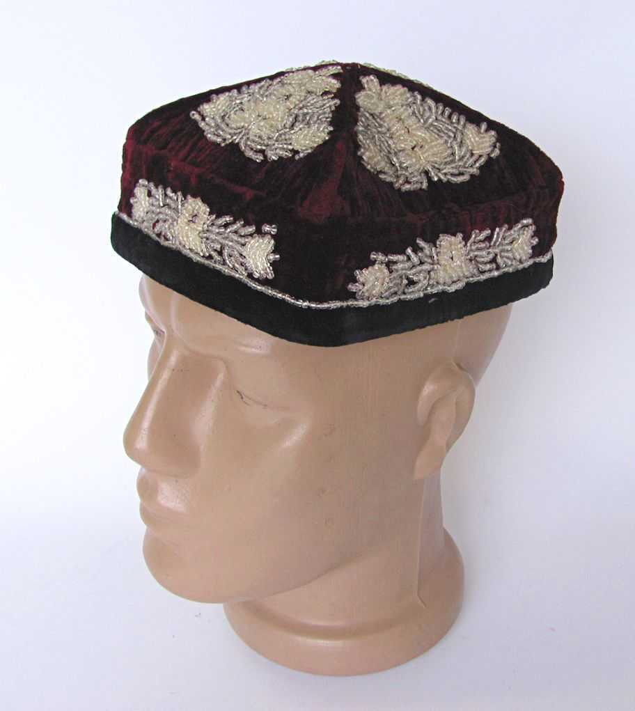 1930s ANTIQUE ASIAN ISLAMIC TUBETEIKA VELVET HAT EMBROIDERED WITH GLASS BEADS