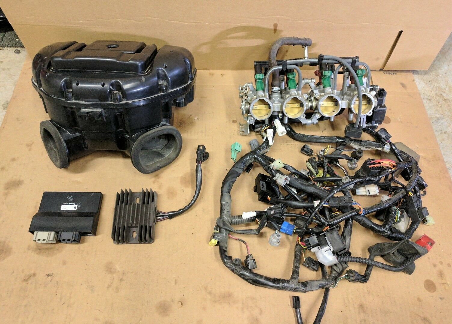 08 09 Suzuki Gsxr 750 Ecu Wiring Harness Air Box Throttle Bodies Rectifier 1 Of 3only 3 Available See More