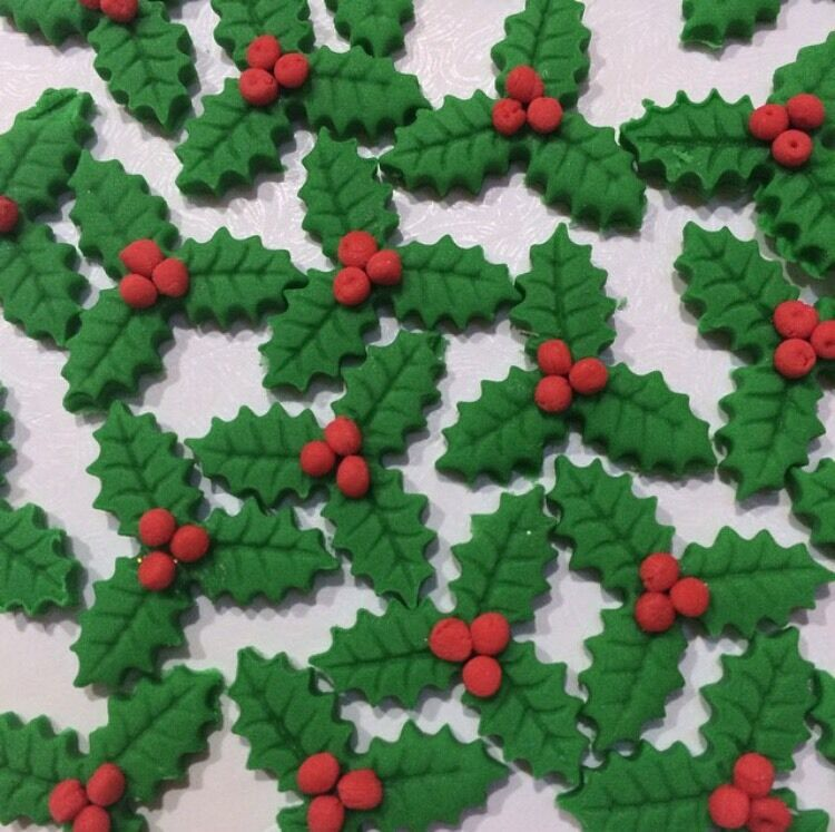 Edible Sugar Holly Leaves With Berries Xmas Cake ...