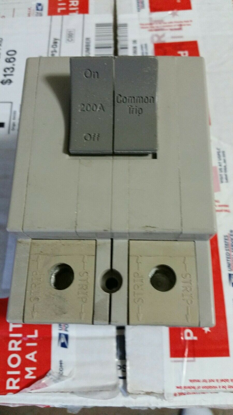 Square D Trilliant Sdt 2200 200 Amp Double Pole Main Circuit Breaker Home Residential Zinsco Type R38 1 Of 5only Available See More