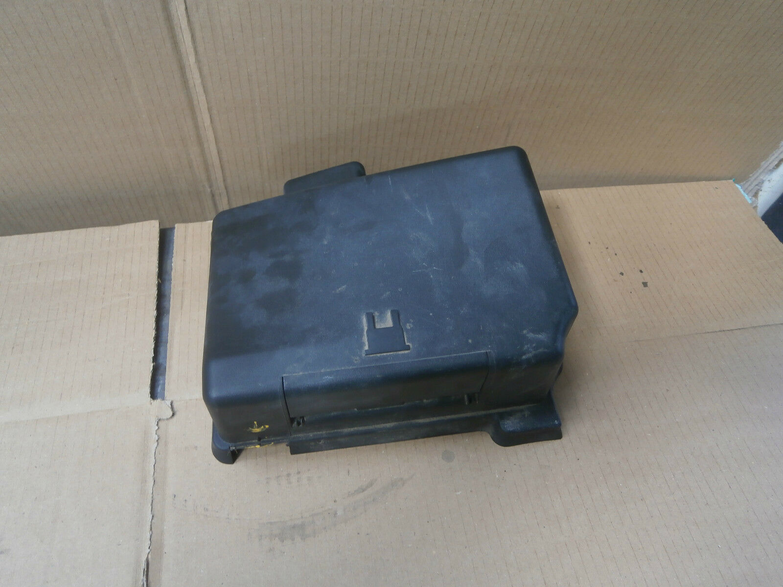 Peugeot 206 2004 Under Bonnet Engine Bay Fuse Box Cover Lid 9640866580 1 of  2Only 1 available ...