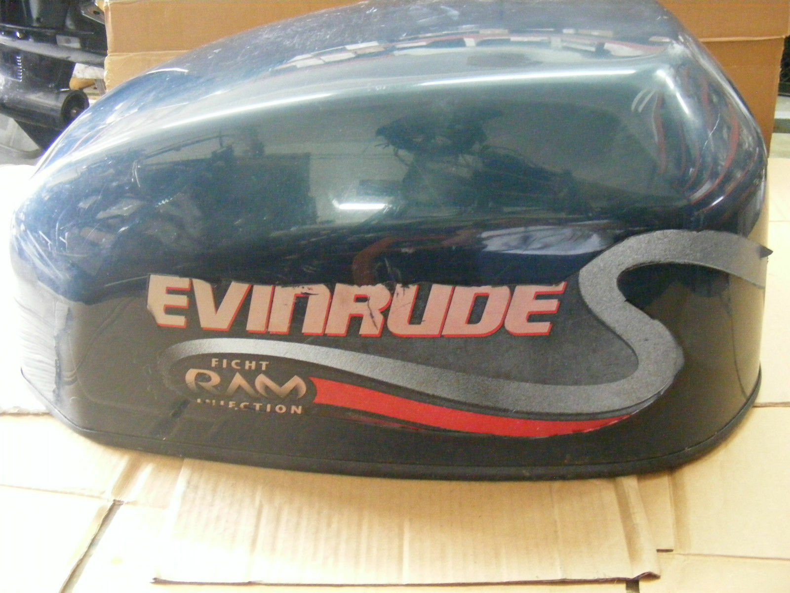 Johnson Evinrude 90-115 HP Ficht Ram Injection Engine Cover 285214 Outboard  1 of 9Only 1 available ...