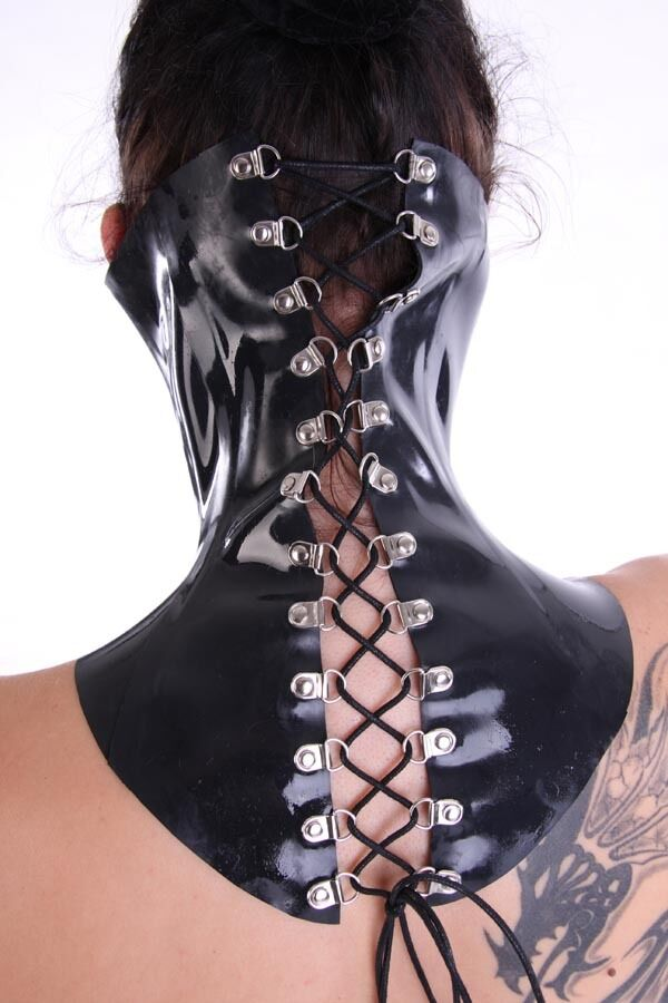 Extrem Halskorsett aus 1mm dicken Latex/ Black Neck Corset Rubber Laceup