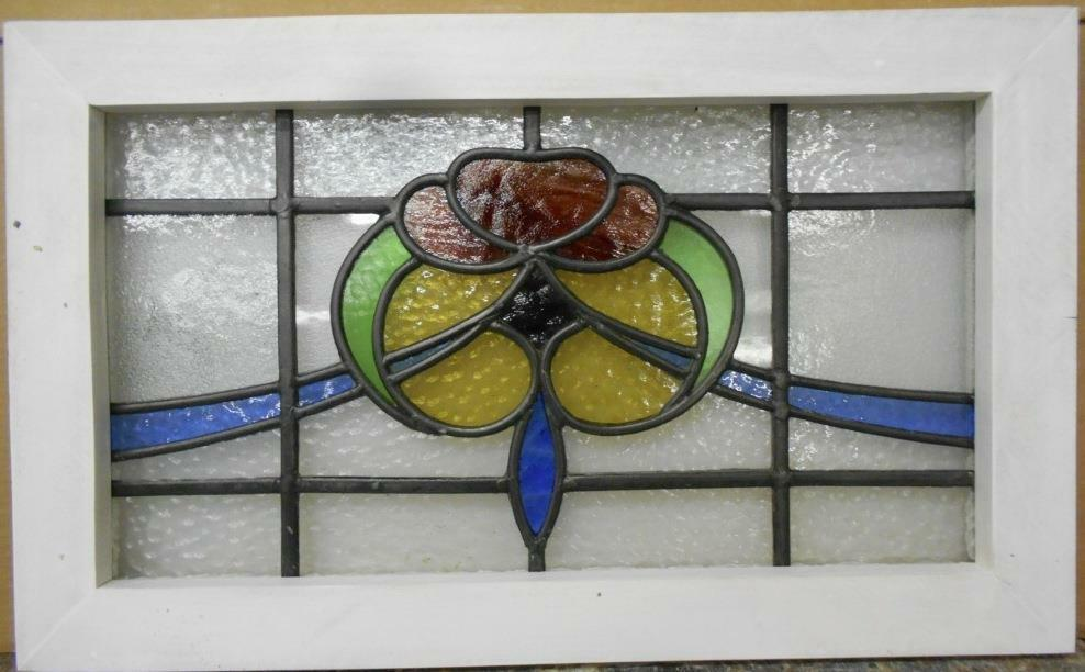 "MID SIZED OLD ENGLISH LEADED STAINED GLASS WINDOW Beautiful Floral 23.75"" x 14.5"