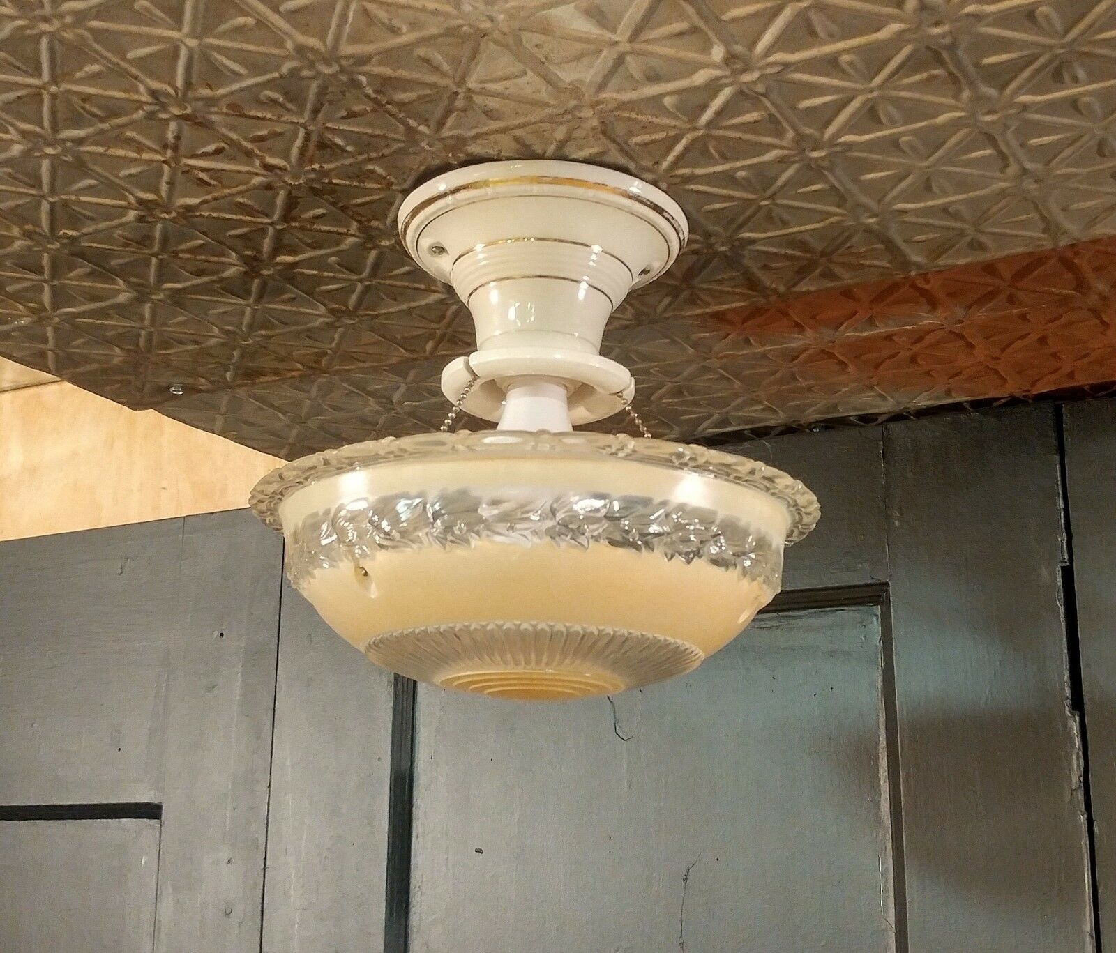 VINTAGE 3-CHAIN HANGING Ceiling Light Fixture Frosted Glass Shade ...