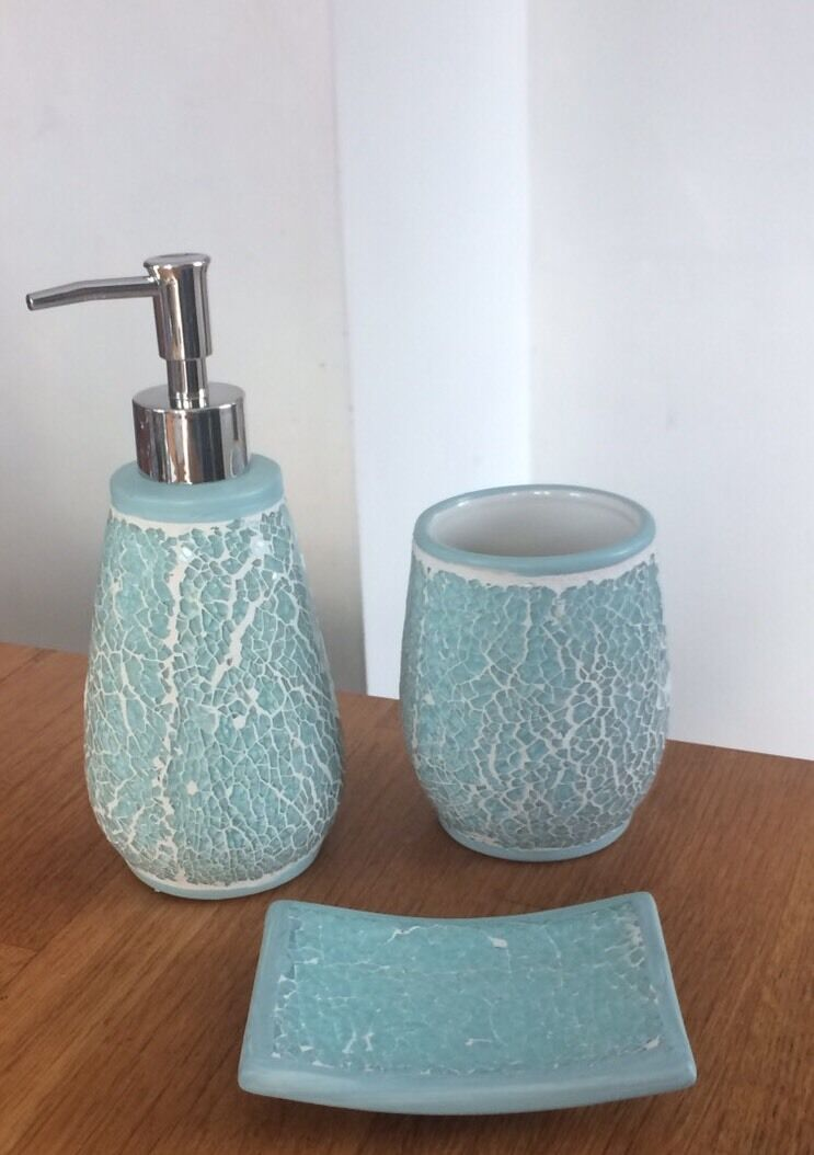 Blue crackle mosaic sparkle bathroom 3 piece set shabby for Blue crackle glass bathroom accessories