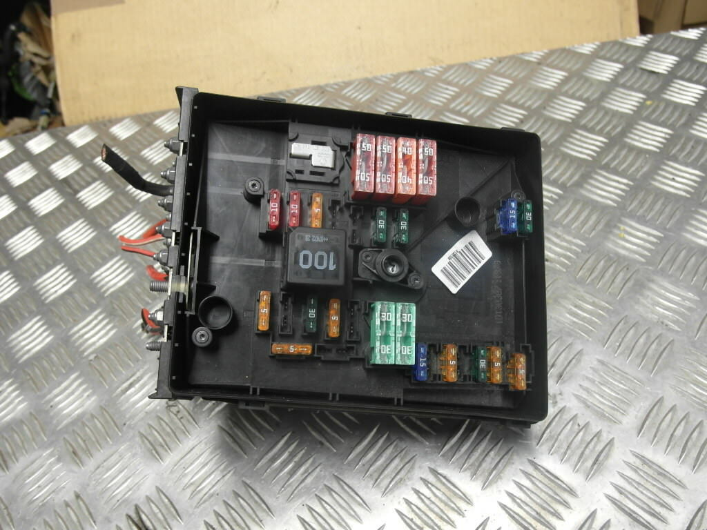 Audi A3 8p Fuse Box 04 08 Vw Golf Mk5 19 Tdi Bxe 3c09712490 1 Of 8only Available See More