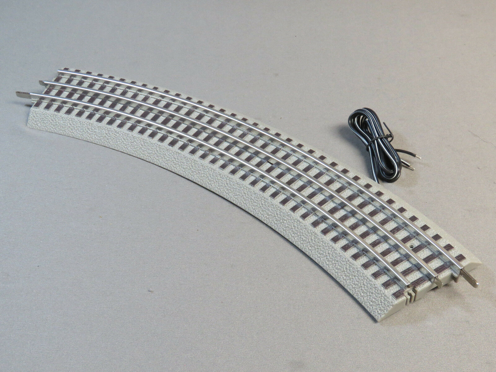 Lionel Fastrack Train Connection Section Fast Track Curve 12015 Block Wiring 1 Of 6 See More
