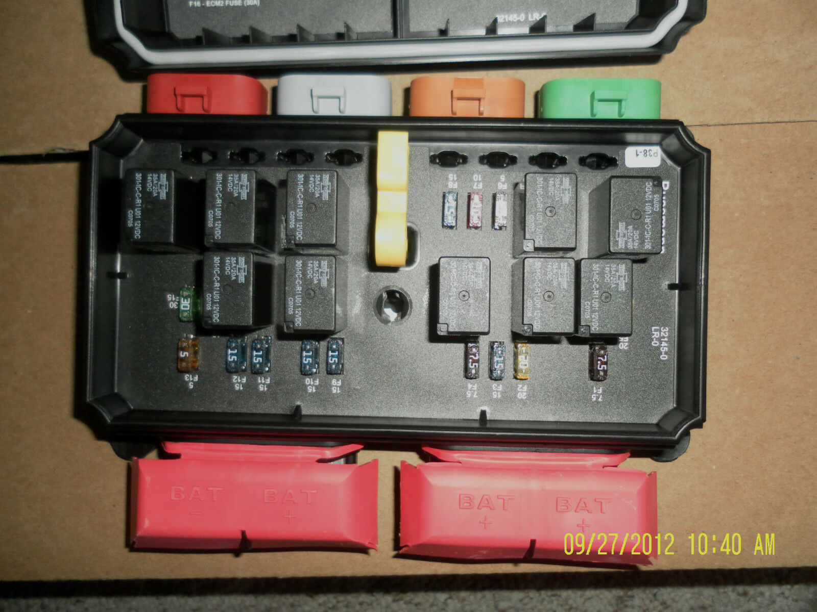 32145 0 32000 Series Bussmann Dual Electrical Center Freightliner Fuse Boxes Box