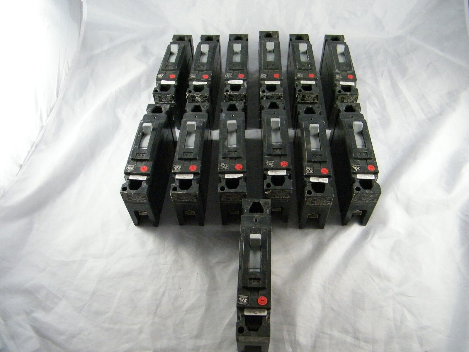 Lot Of 13 Ge 20a Circuit Breaker Part Ted113020 1 Pole Home Residential Zinsco Type R38 9only Available
