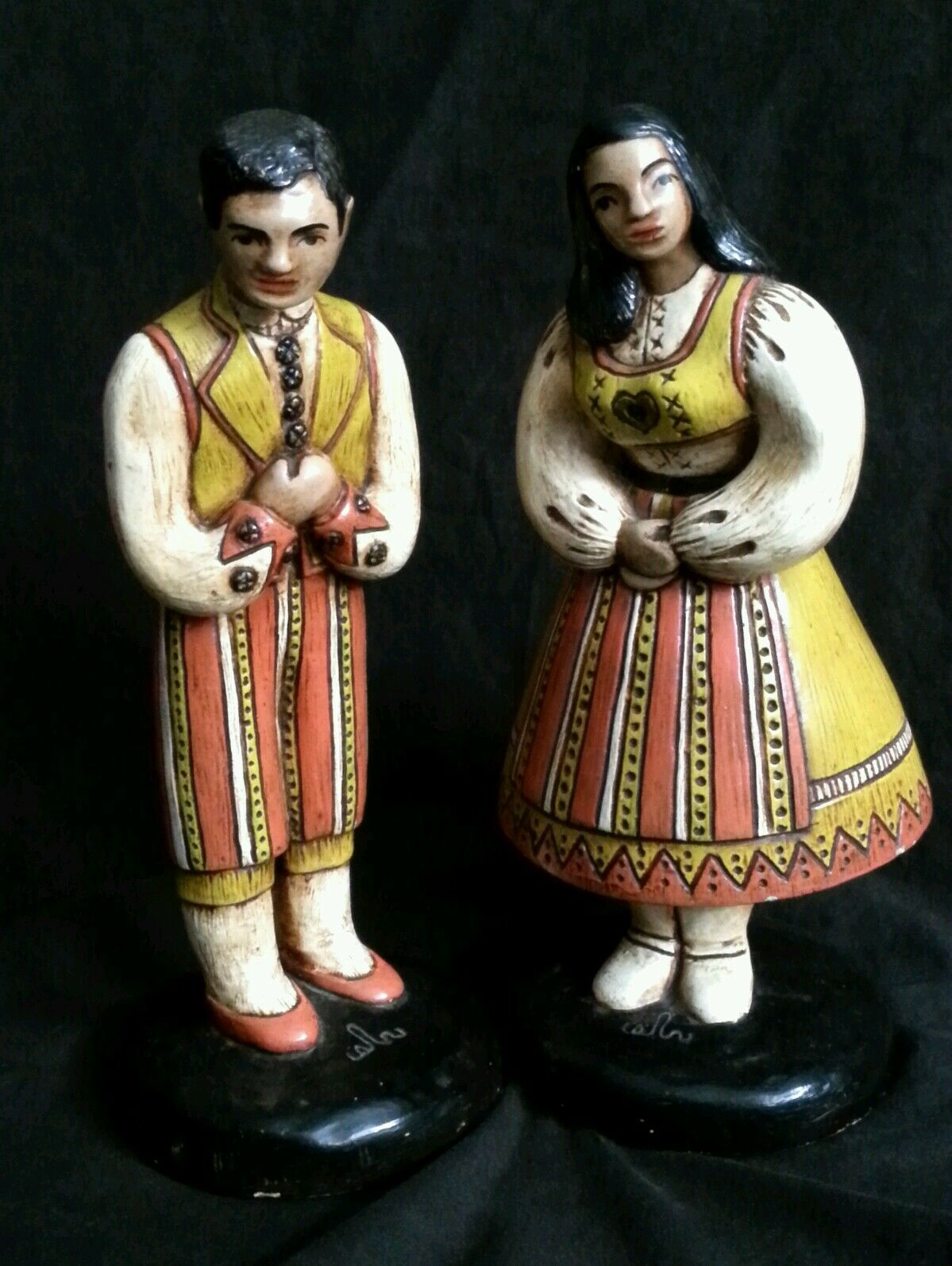 """Vintage hand made chalkware figurines in national costumes 10.5"""" S.America Euro"""