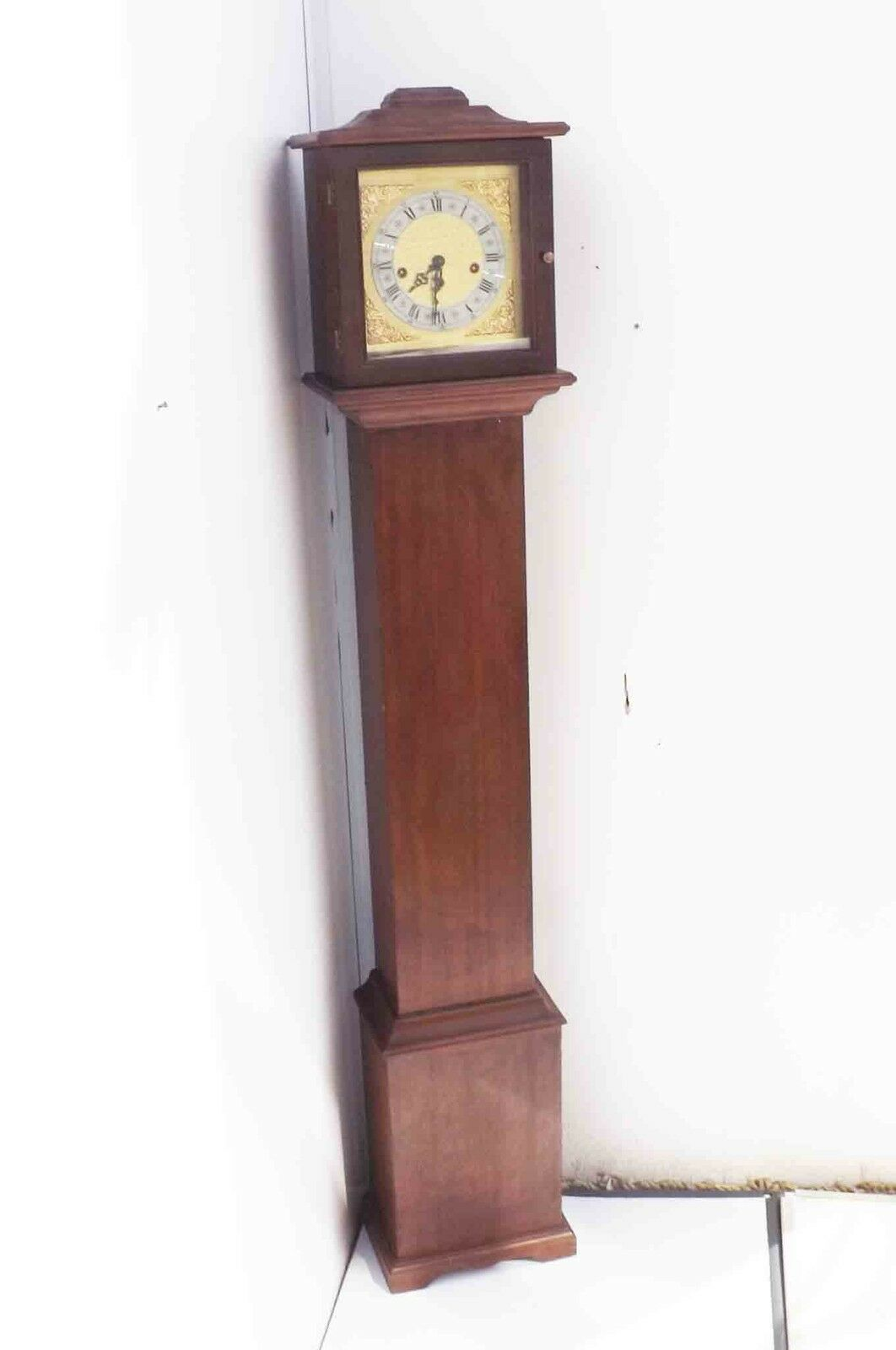 grandmother clock mahogany case westminster chimes vintage quality item.