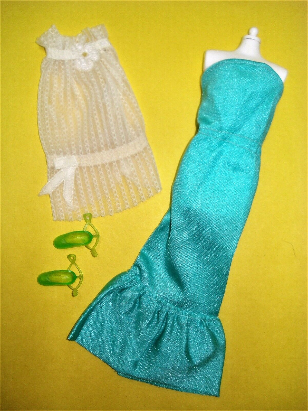 Vtg Lot (9) 70s Early SEVENTEEN Magazine Clothing Fashion Culture 71 72 73 74