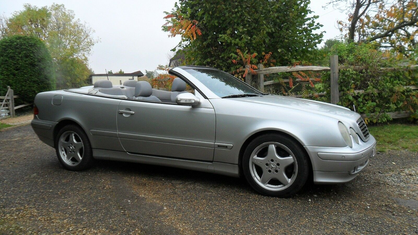 mercedes 320 2002 clk convertible with full service history 1 picclick uk. Black Bedroom Furniture Sets. Home Design Ideas