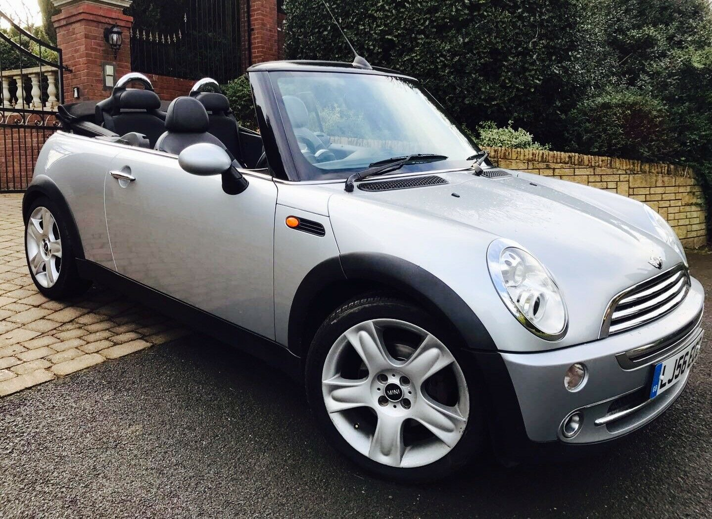 2006 56 mini cooper convertible chili pack stunning condition only 51 000 miles 3. Black Bedroom Furniture Sets. Home Design Ideas