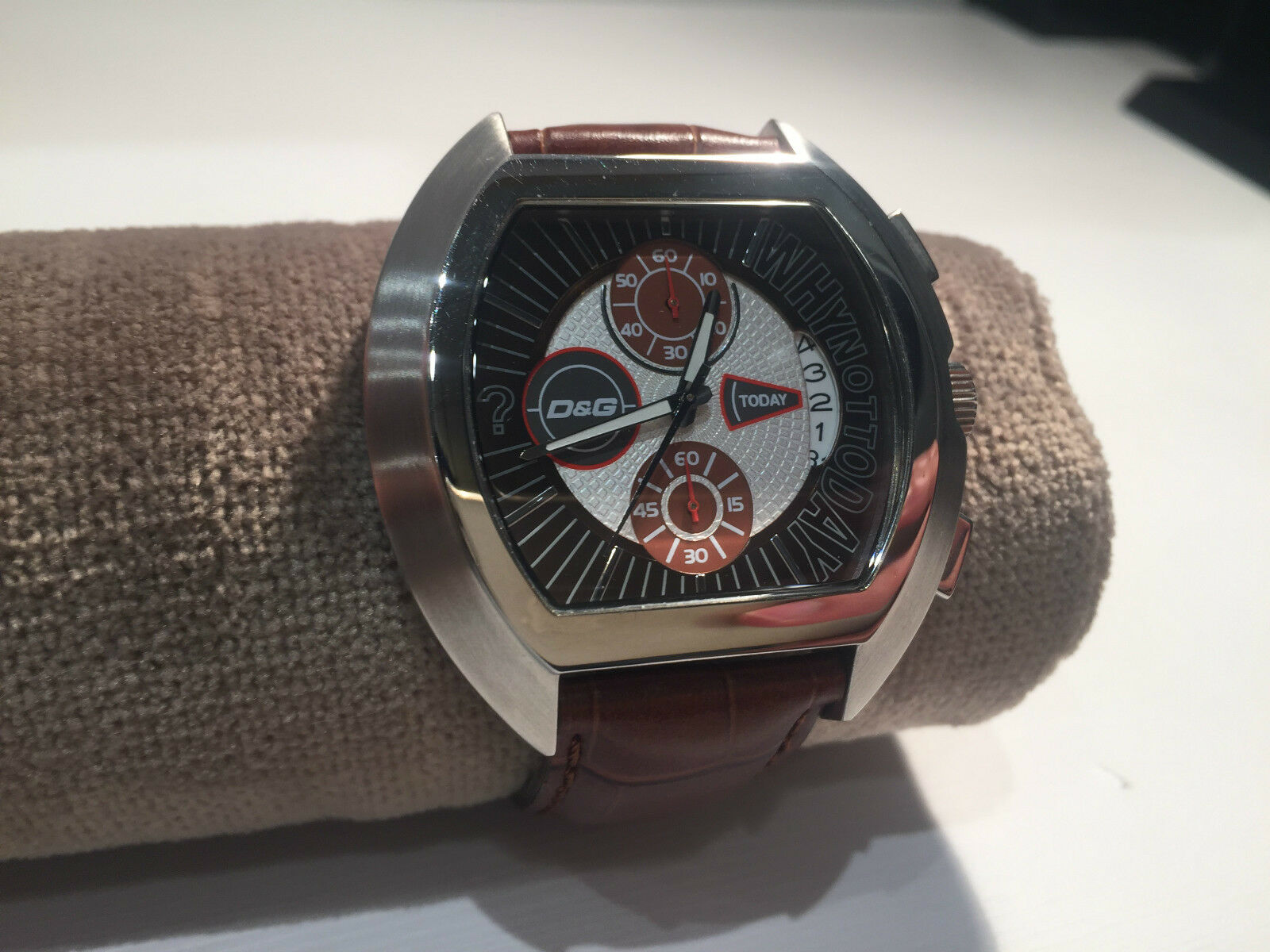 c1c466f9d65a Reloj Watch - D G - Dolce   Gabbana Time - Why Not Today - Brown Leather 1  sur 3Seulement 1 disponible ...