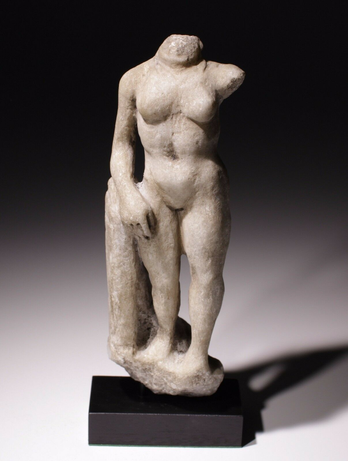 Ancient Roman Marble Figurine Of A Naked Female - Circa 1St-2Nd Ad