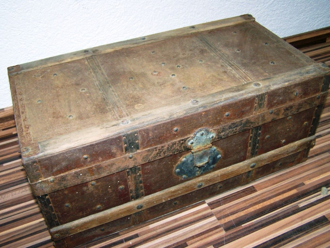 Beautiful old Wooden box with Metal fittings, Treasure chest, rare Size