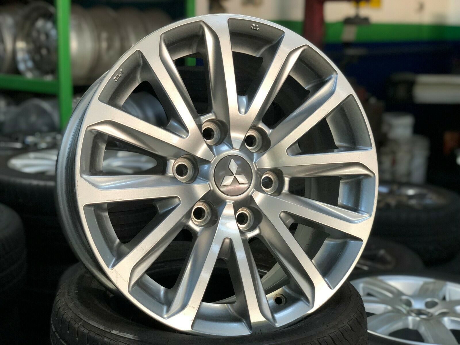 KING OF RIMS 17 inch Mitsubishi L200 Pajero Sport Ralliart wheel a