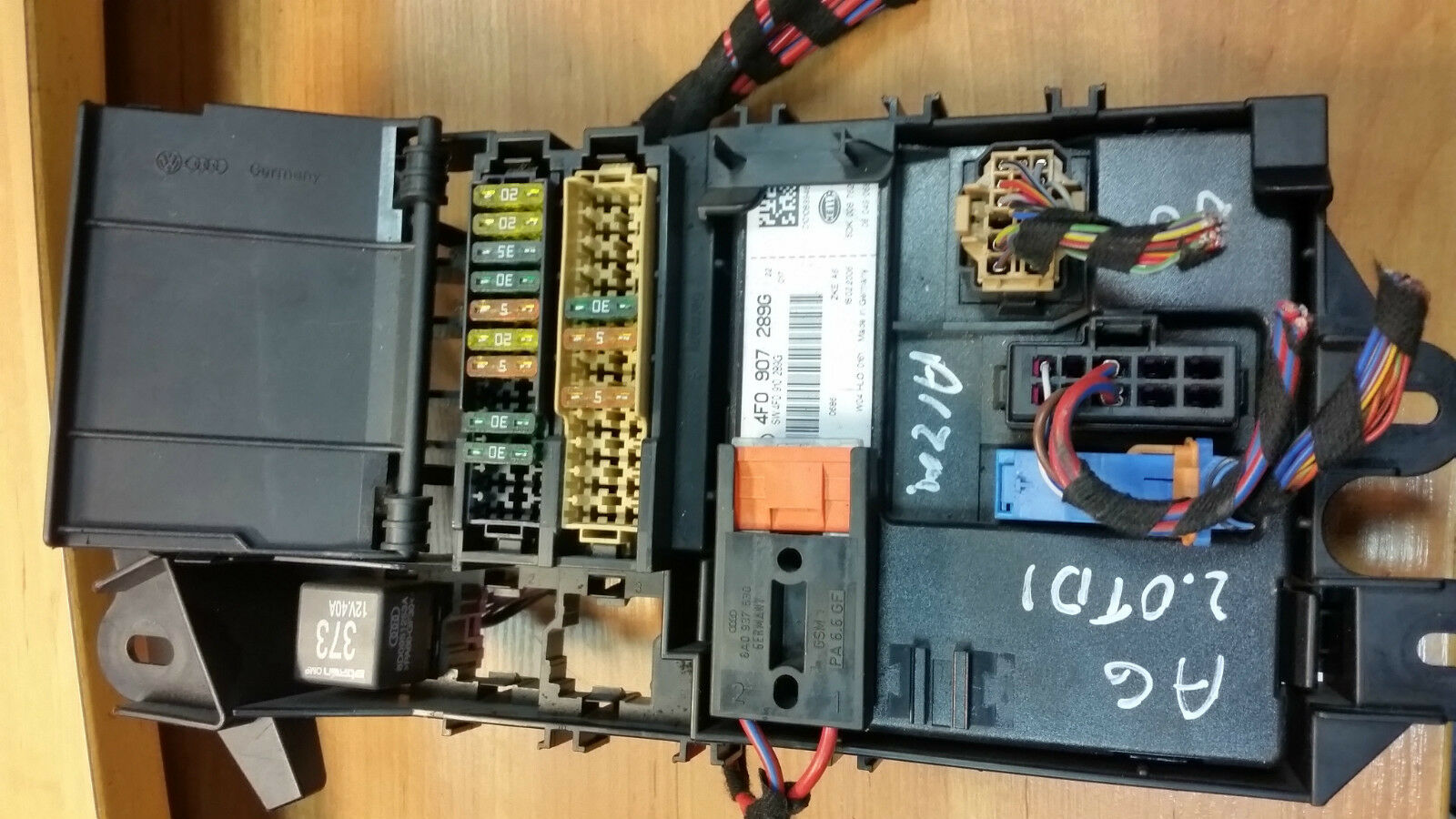 Audi A6 C6 2006 20 Tdi Fuse Box And Comfort Module Ecu 4f0 907 1 Of 3only Available