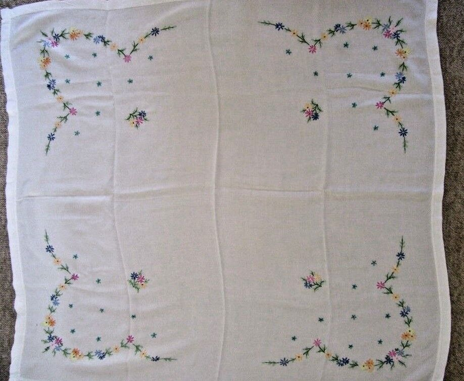 Vintage embroidered linen tablecloth white quot £