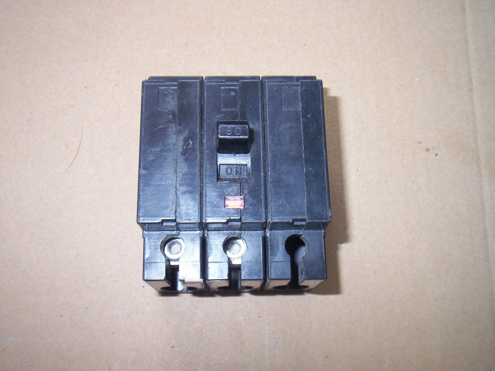 Square D Qe280vh Qe 2 Pole 240v 80 Amp Circuit Breaker 7 Flawed Remote Controlled 20 1 277v Of 3only Available