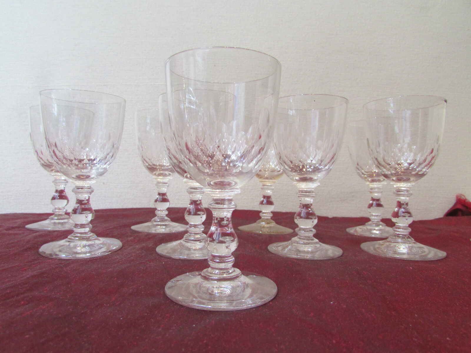 8 anciens verres a vin cristal de baccarat modele ecailles epoque 19 eme eur 145 00 picclick fr. Black Bedroom Furniture Sets. Home Design Ideas