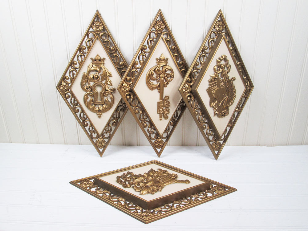 vintage syroco diamond wall hanging plaque set gold. Black Bedroom Furniture Sets. Home Design Ideas