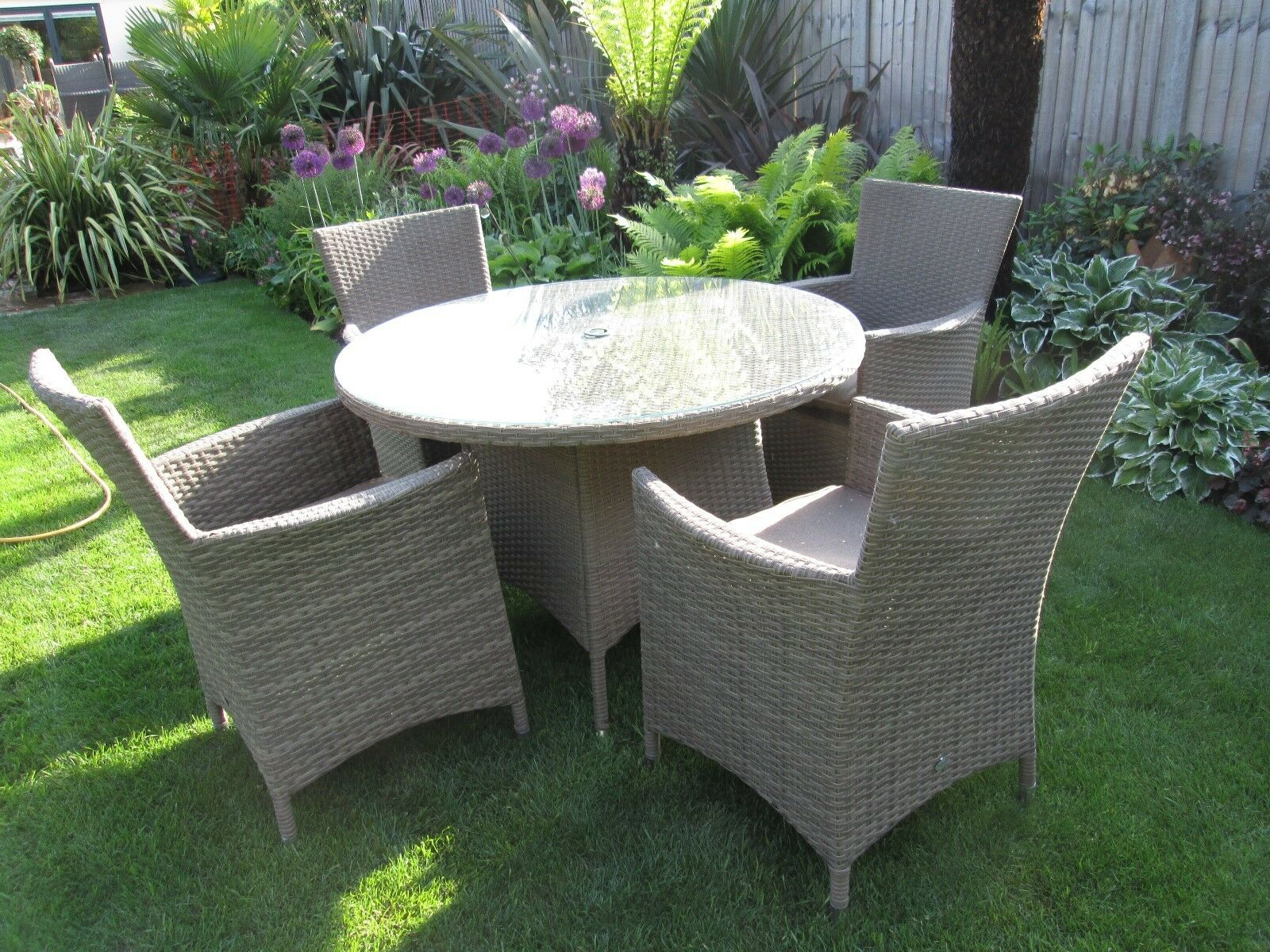 Quality hartman rattan garden furniture set 4 chairs for Quality patio furniture