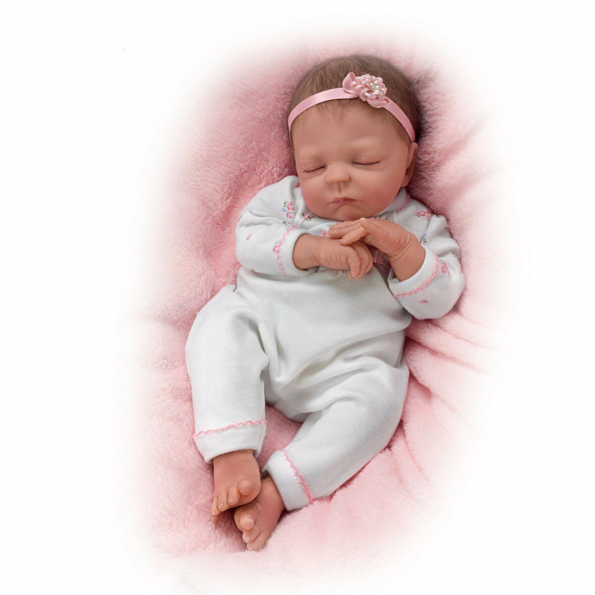 Cuddle caitlyn ashton drake doll by violet parker 17 for The ashton