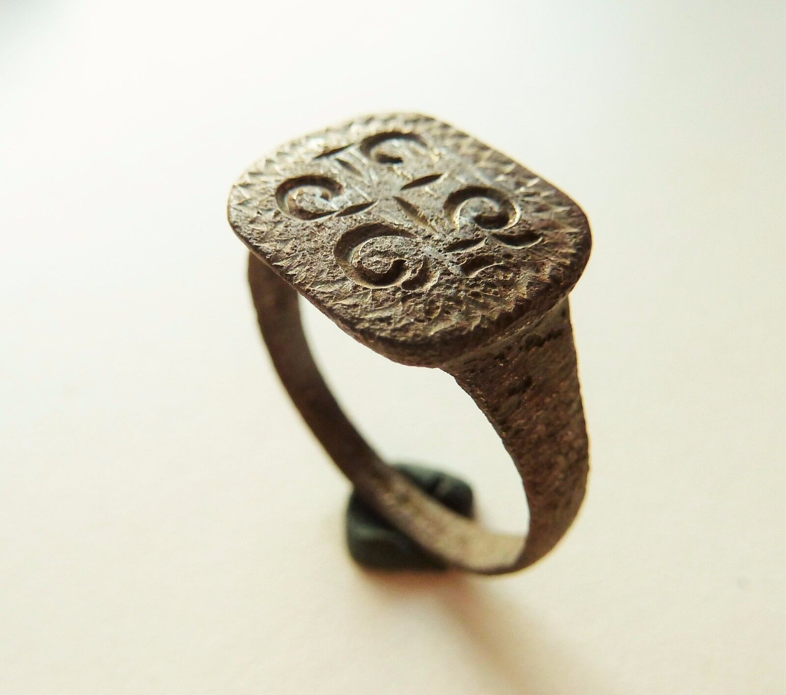 Post-medieval bronze seal-ring (249).
