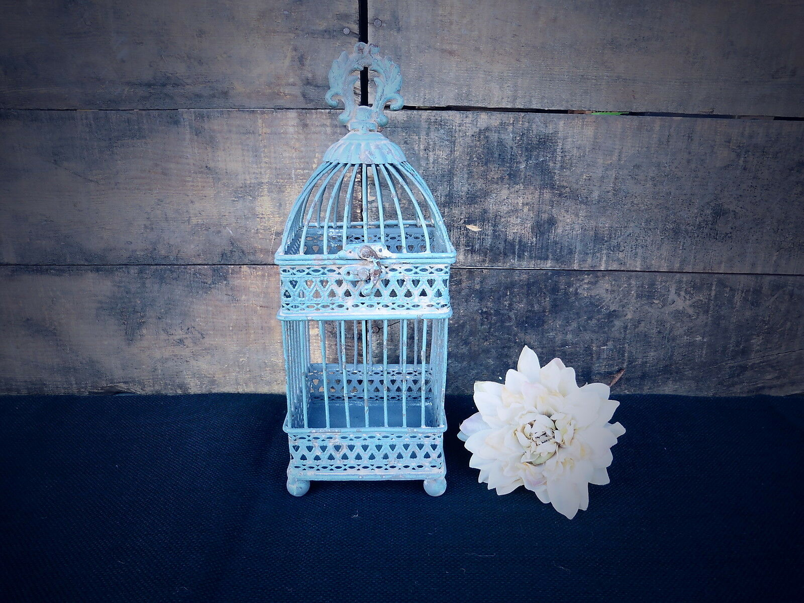 Small distressed antique blue square iron bird cage for Petite cage a oiseaux decorative