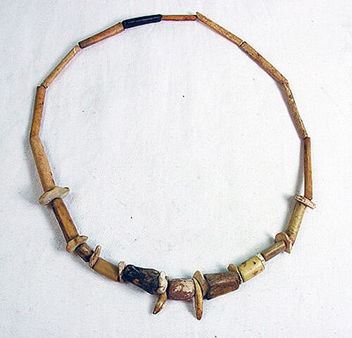 PRE COLUMBIAN WOODLAND period necklace - Middle Tennessee - 500 BC.