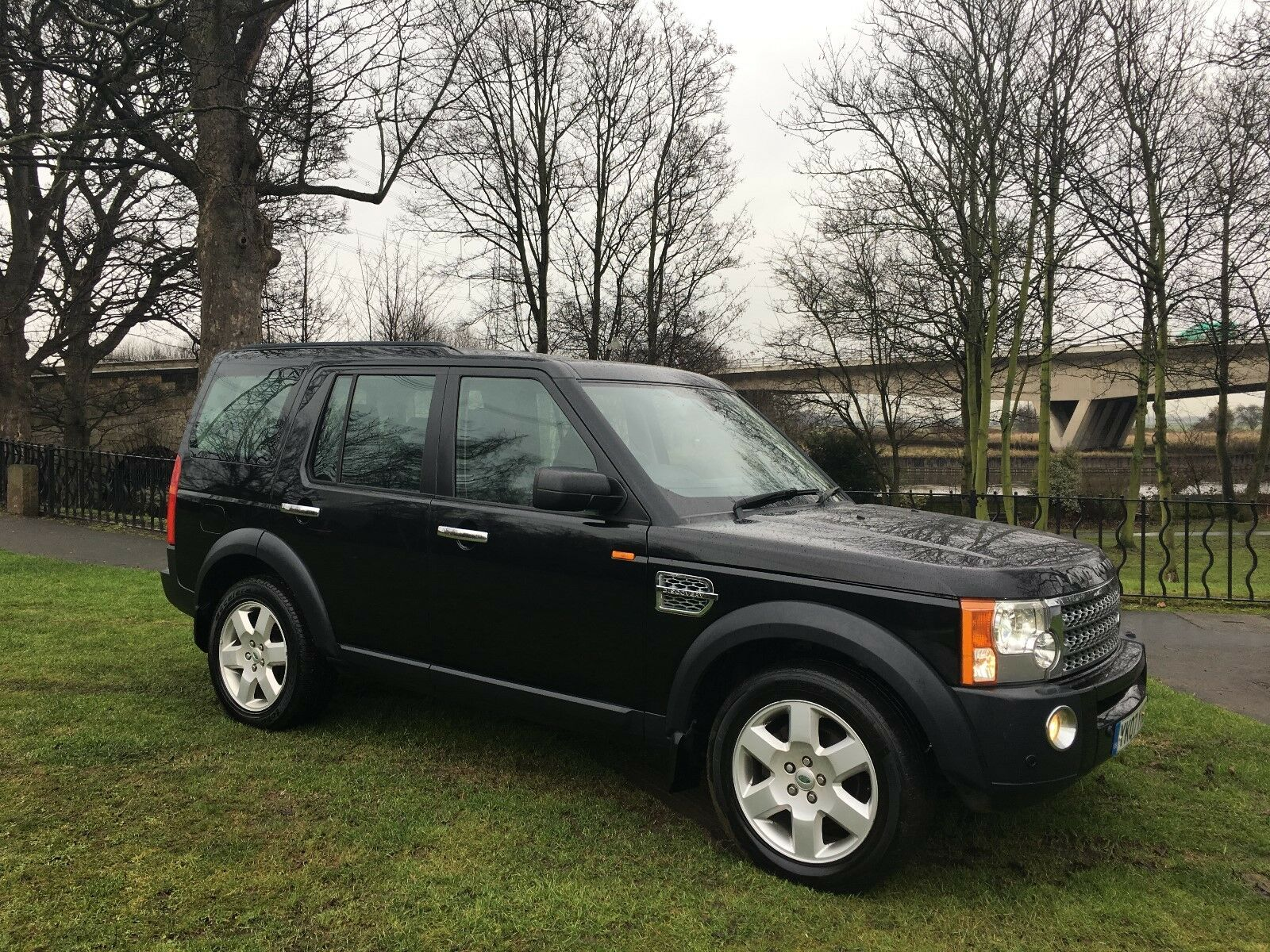 2007 land rover discovery v6 diesel hse panther black stunning 4x4 immaculate 6. Black Bedroom Furniture Sets. Home Design Ideas