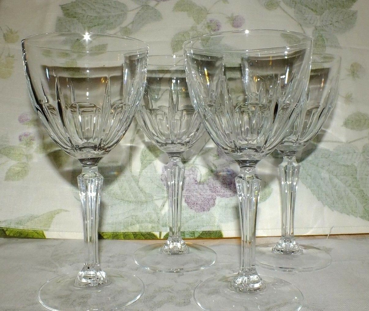 cristal d 39 arques bergerac water goblets set of 4 exc 33. Black Bedroom Furniture Sets. Home Design Ideas