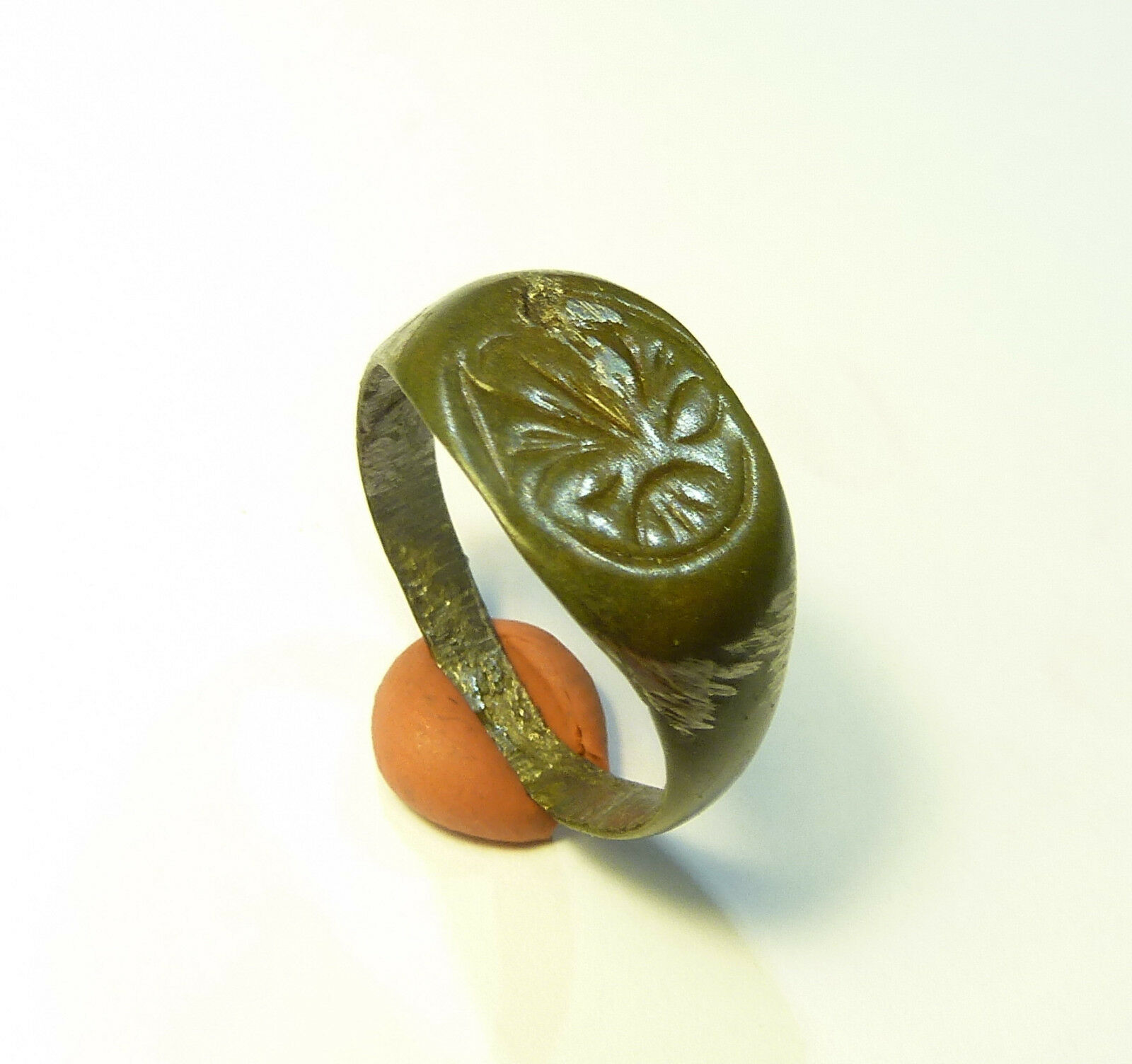 Ancient  bronze ring. (323)