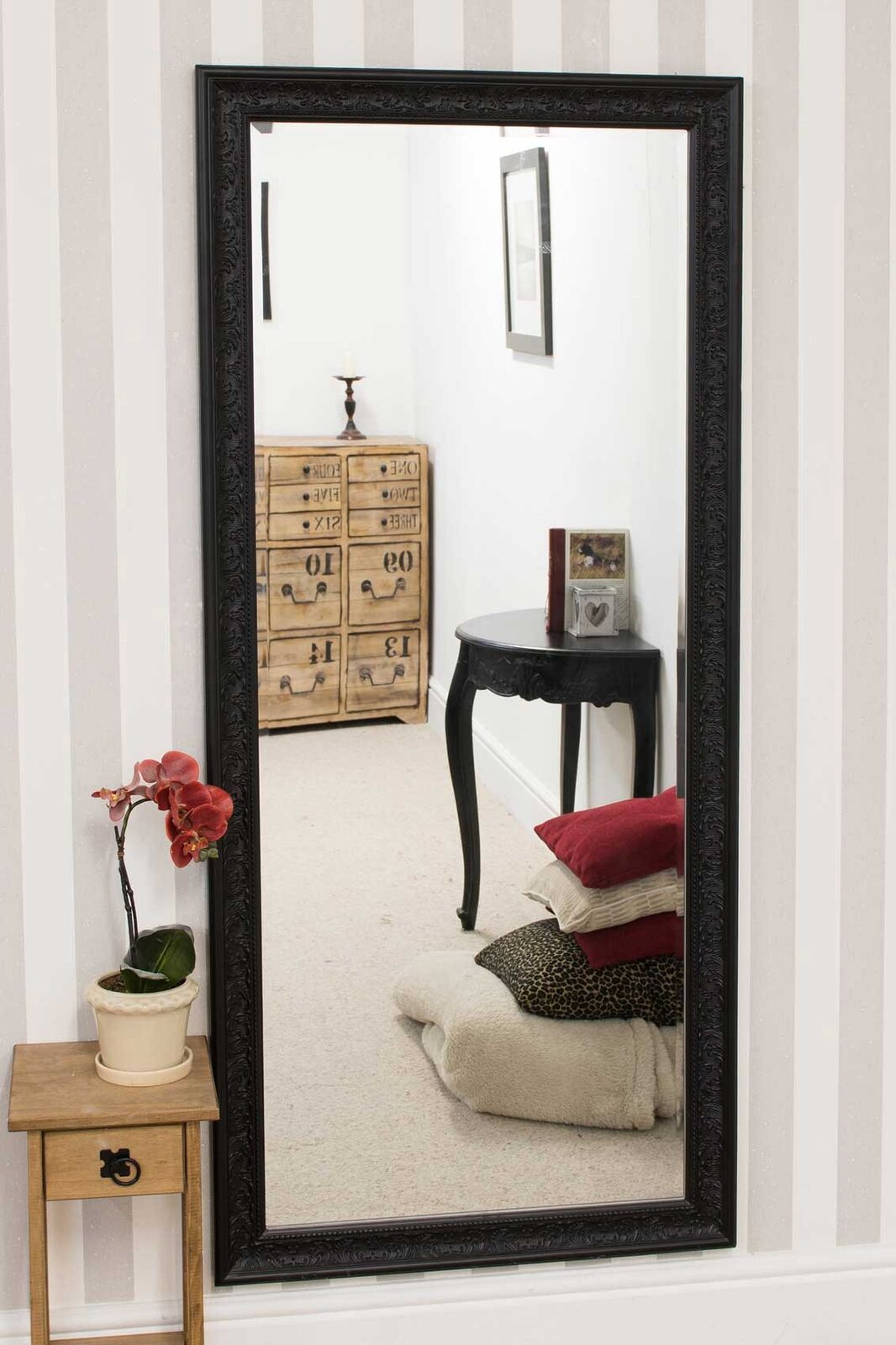 Large antique design full length black wall mirror 5ft3 x for Big black wall mirror