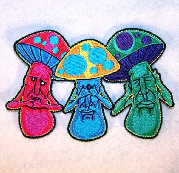 TRIPLE MUSHROOM FACES EMBRODIERED PATCH P600 new jacket iron bikers item novelty