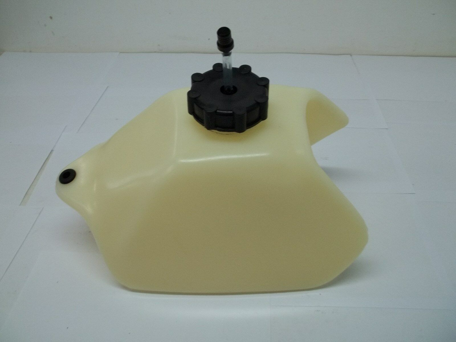 how to clean a plastic fuel tank