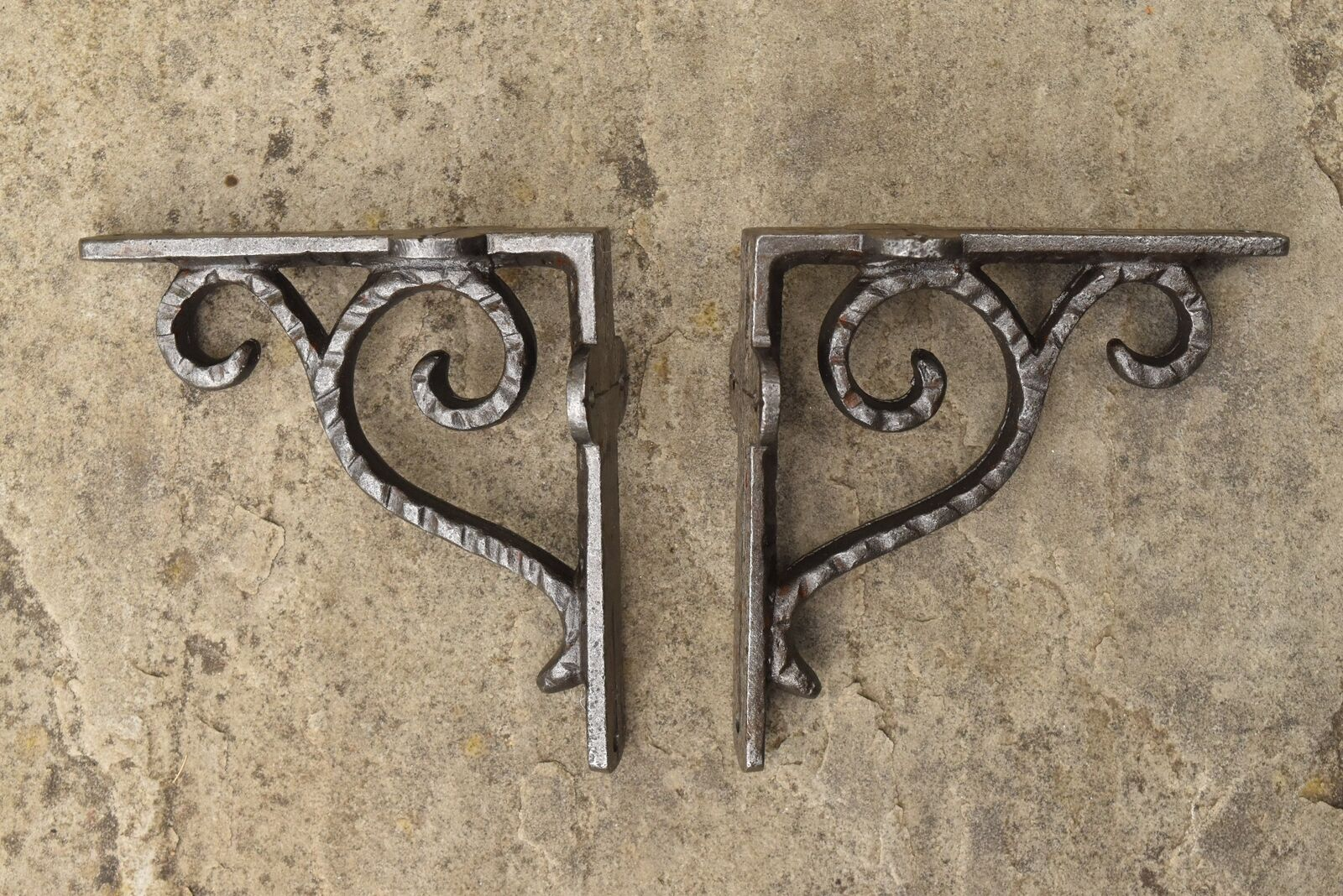 A Pair Of Small Cast Iron Hammered Antique Style Shelf Brackets Wall Bracket