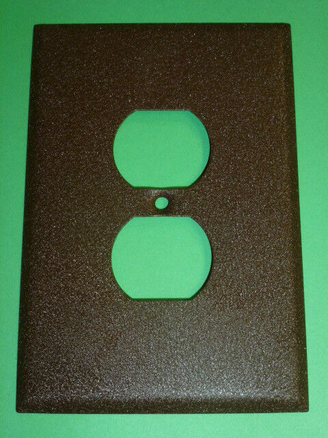 Nos! Bell Electric Single Gang Brown Crackle, Oversized Receptacle Wall Plate