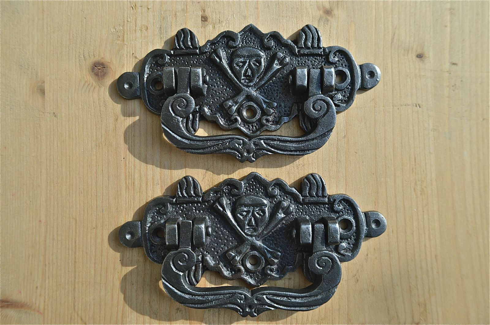 Pair Of Antique Style Coffin Handles Cast Iron Skull And Crossbones Wh3