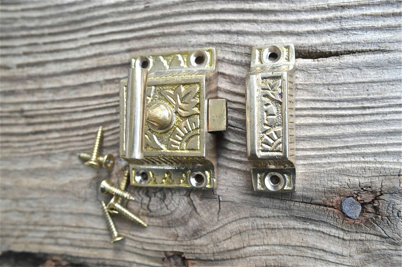 Lovely Solid Brass Arts And Crafts Cupboard Door Sprung Latch Lock Wh7