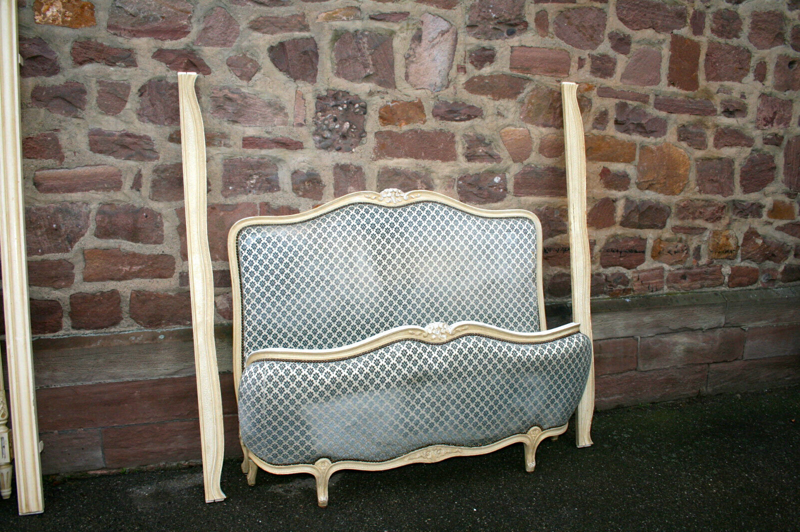 ANTIQUE FRENCH Louis XV CORBEILLE BED