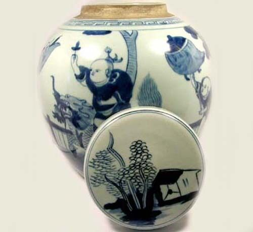 """Exceptional 19thC Blue and White """"Ming"""" Official Rides Foo Dog Jar+Lid China"""
