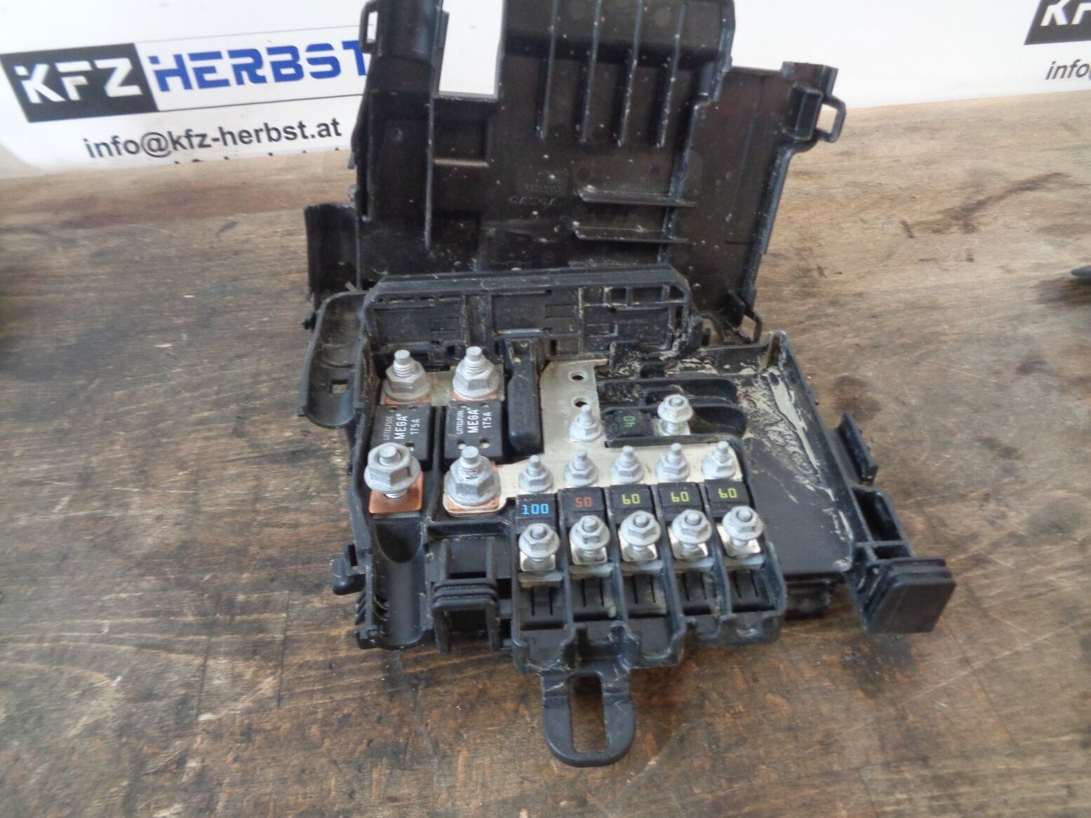 fuse box Volvo XC70 II P24 30659092 2.4 D5 158kW D5244T11 98844 1 of 1Only  1 available ...