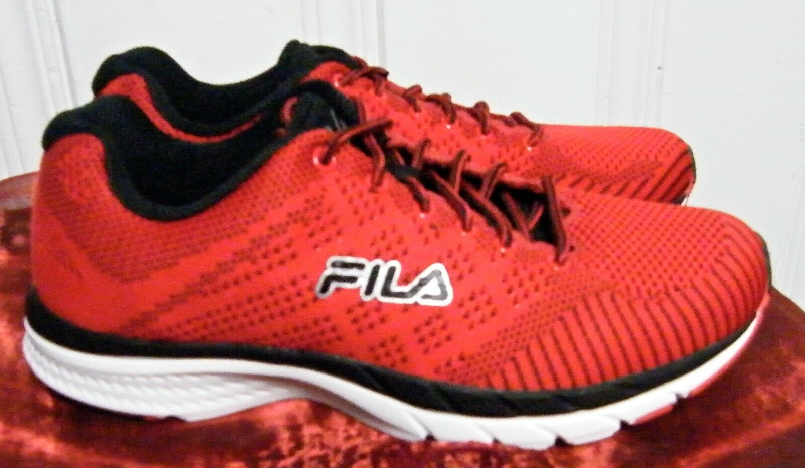 fila shoes red